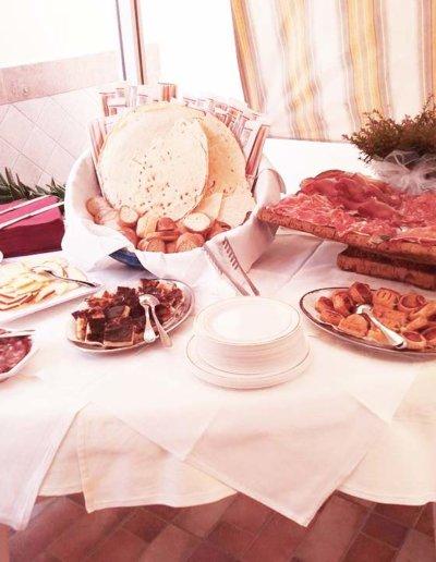 Ristoranti Sassari - LA PERLA ROSA RISTORANTE PIZZERIA Buffet - Cerimonia