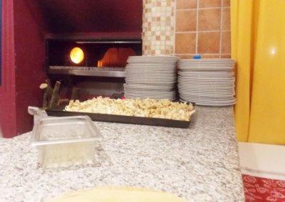 ristorante-pizzeria-La-Perla-Rosa-Sassari-forno-a-legna