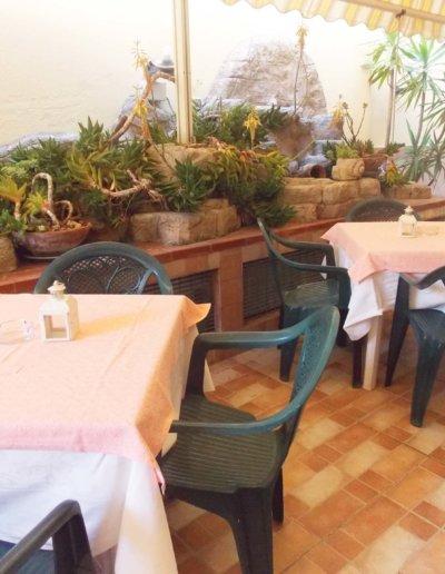 ristorante-pizzeria-La-Perla-Rosa-Sassari-sala-esterna-6