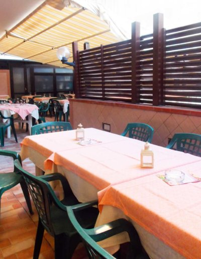 ristorante-pizzeria-La-Perla-Rosa-Sassari-sala-interna.jpg-3