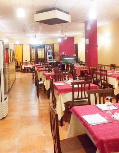 ristorante-pizzeria-La-Perla-Rosa-Sassari-sala-interna.jpg-2