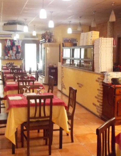 ristorante-pizzeria-La-Perla-Rosa-Sassari-sala-interna.jpg-pizzeria