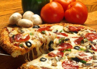 pizzerie sassari - LA PERLA ROSA - ingredienti genuini pomodoro mozzarella