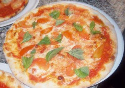 pizzerie sassari - LA PERLA ROSA Pizza cotta in forno a legna